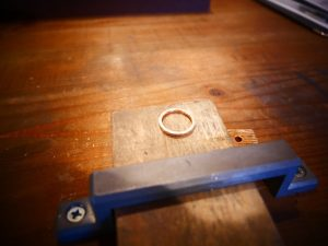 整った形の丸いリング